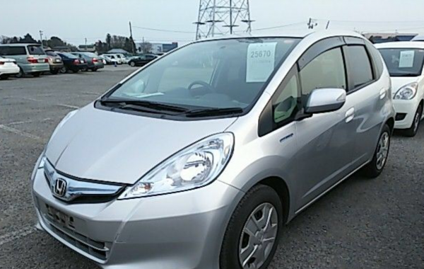 HONDA FIT 1,3 hyprid model 10 /2013 VERY ECONOMIC