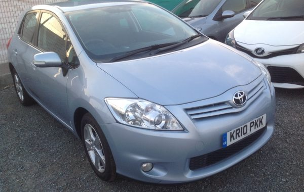 TOYOTA AURIS MODEL 2011